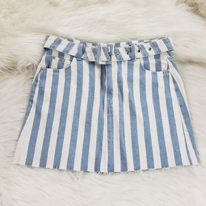 Nwot Signature8 blue white stripe skirt size med